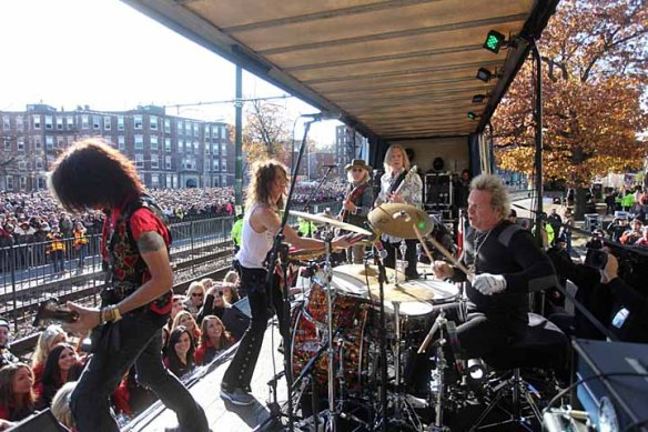rockaerosmithcommave2012
